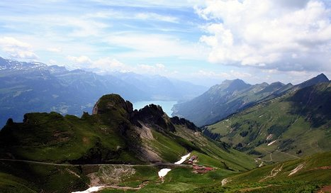 Lakes & Mountains of Switzerland by Train, Mountain Railway & Lake Steamers